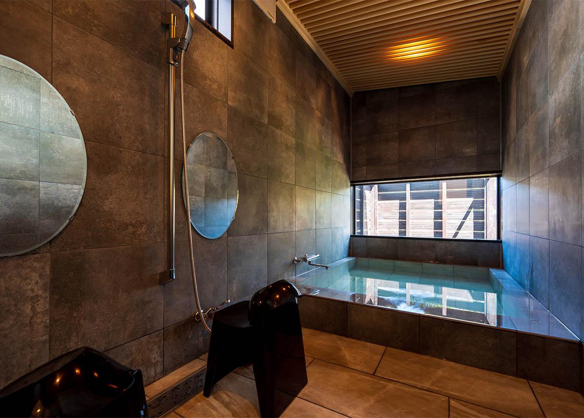 客室温泉風呂 スライド1