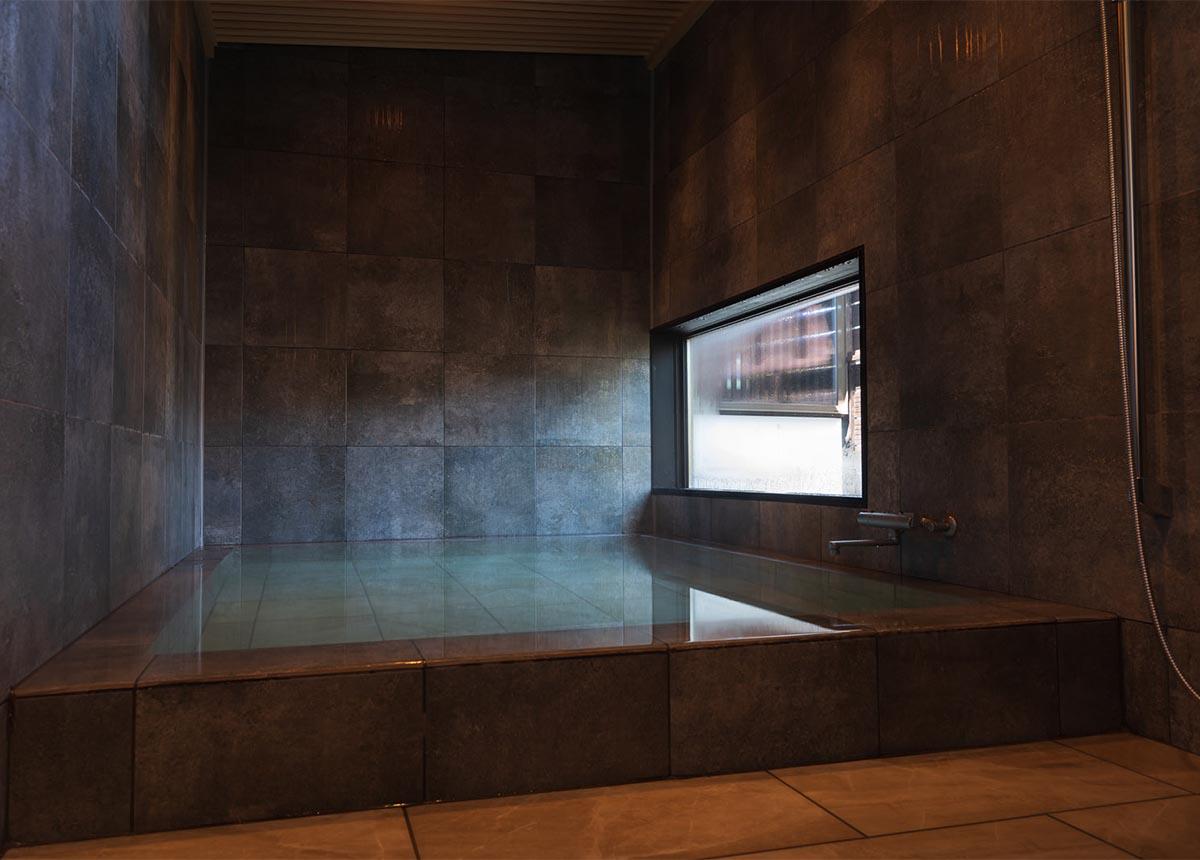 客室温泉風呂 スライド2